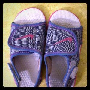 "Toddler girls Nike ""Sunray adjust"" sandal size 8c"